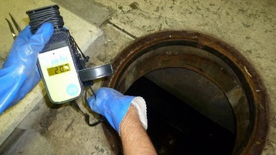 安全対策 ピット内作業のため、酸欠対策として、酸素濃度測定・換気は必ず実施します。